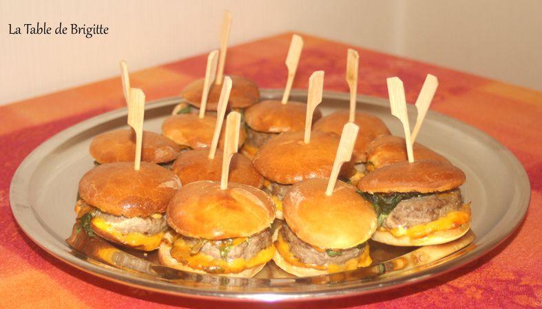 Minis pains à hamburgers et leur garniture