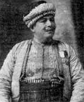 Juif indigène algérois, Edmond Nathan Yafil, est né en 1874.