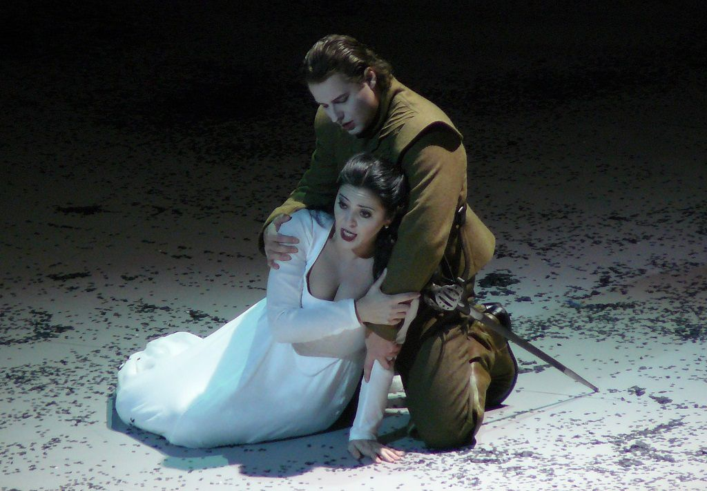 I Puritani – Maria Agresta & Dmitry Korchak (ONP – 2013)