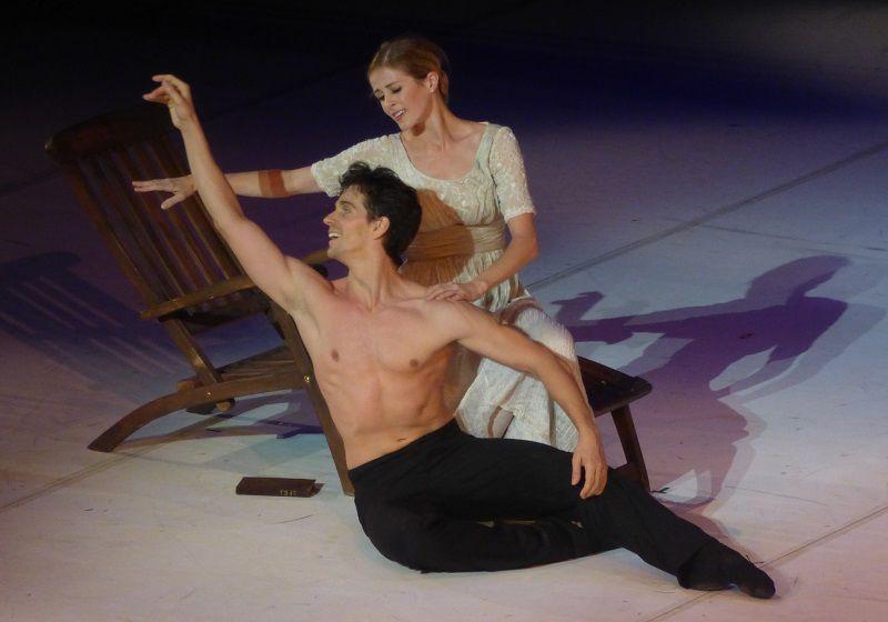 Guillaume Côté (Vaslav Nijinsky) et Heather Ogden (Romola Nijinsky)