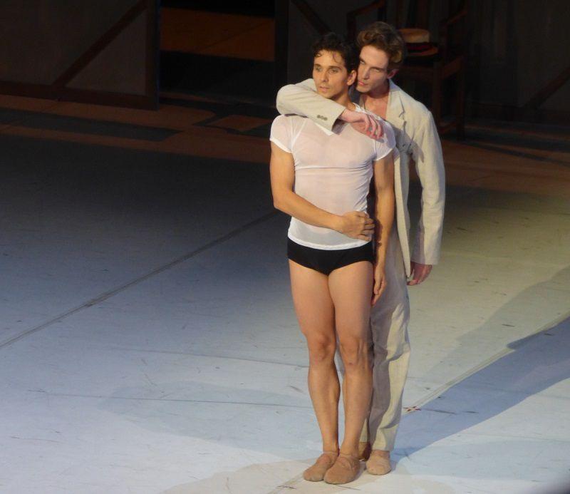Guillaume Côté (Vaslav Nijinsky) et Evan McKie (Serge Diaghilev)