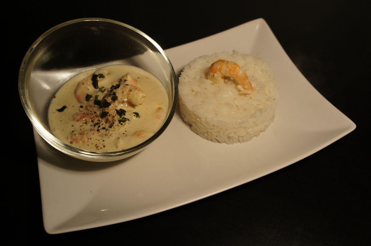 Crevettes au curry vert et lait de coco