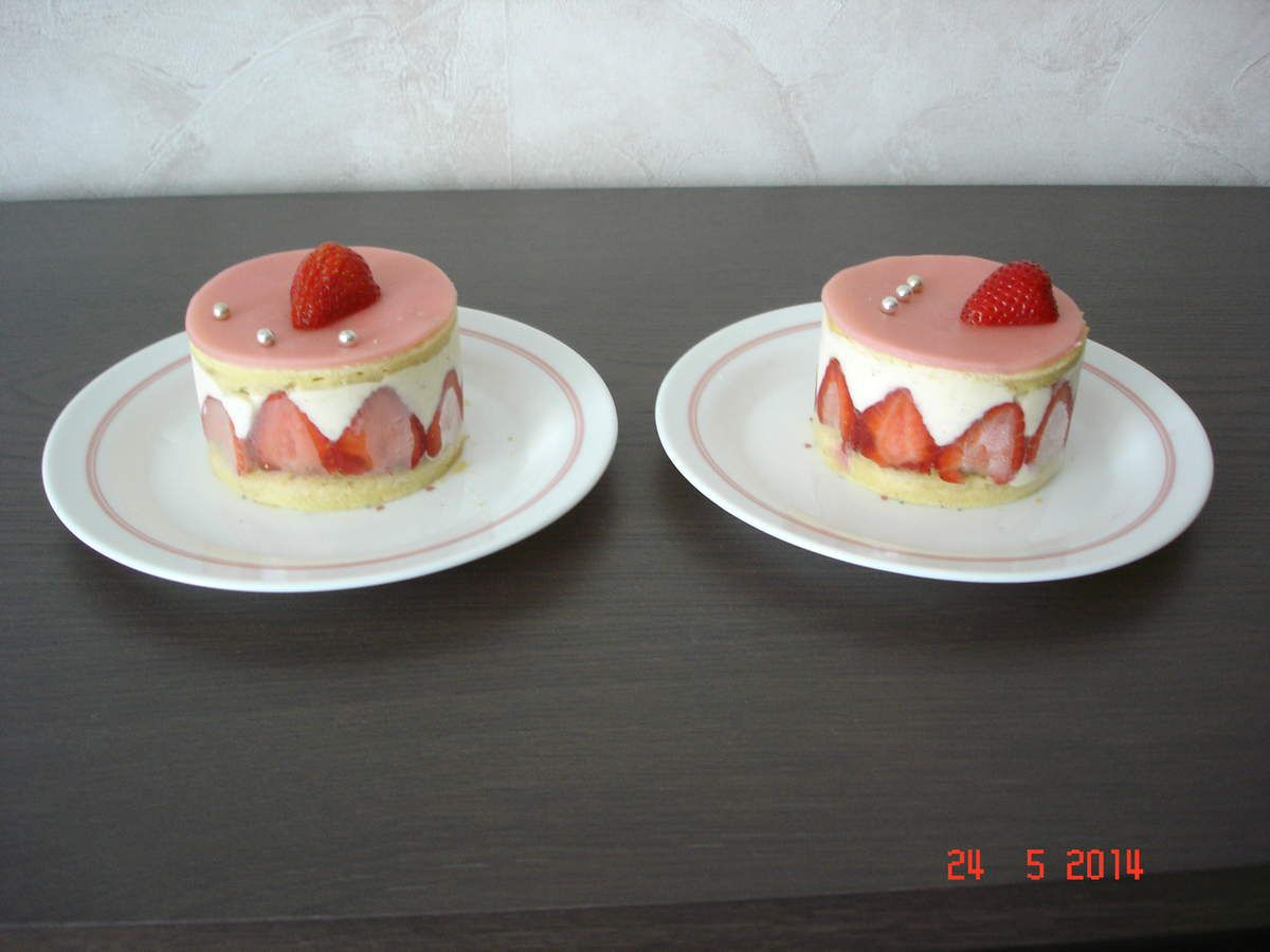 Fraisier. Une mousse légère aux fraises.