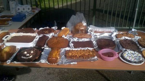 1 ère vente de gâteau... Un vrai succès !