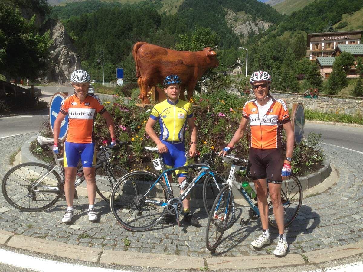 Regroupement à Valloires, avant une 2 eme ascension du Galibier par le versant le + difficile. Le Tour devait y passer avant l'arrivée à l' Alpe d'Huez, mais en raison d'un éboulement après La Grave, le Galibier sera remplacé par le col de la Croix de fer.