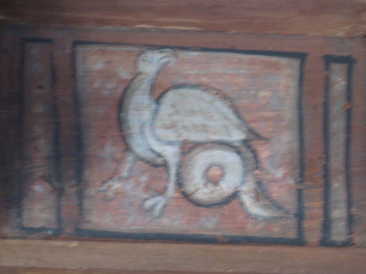 Créatures atypiques du cloître de Fréjus