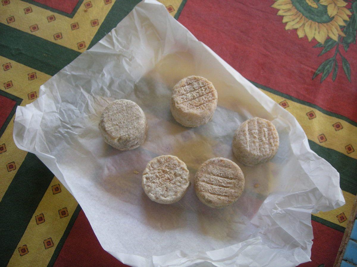 Crottins de Chavignol à l'huile d'olive .