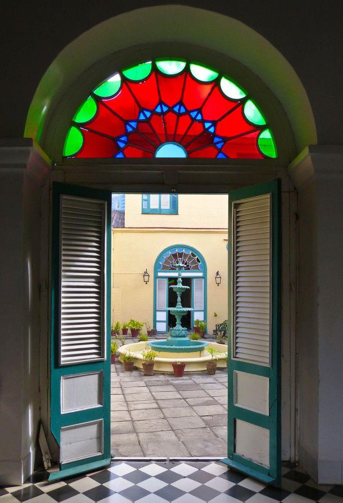 Porte-fenêtre donnant sur le patio - Palacio de Valle Iznaga à Sancti Spiritus