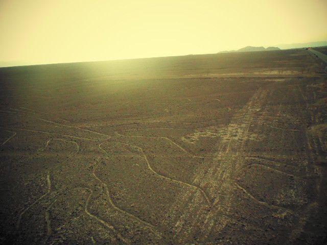 la côte, le désert, les lignes de Nazca, l'arrivée dans la vallée de Nazca