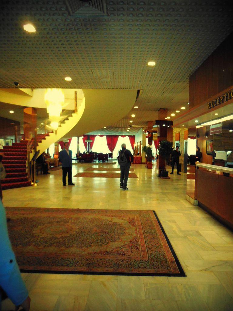 CDG - Mer Caspienne - Aéroport de Téhéran et notre hôtel