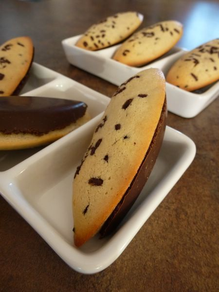 Barquettes de financiers en coque de chocolat
