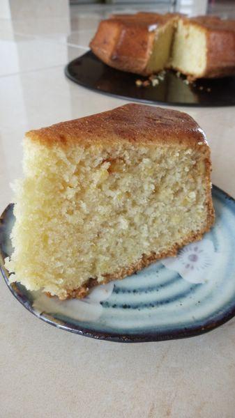 Gâteau à la bière et aux dés d'écorce d'orange confite