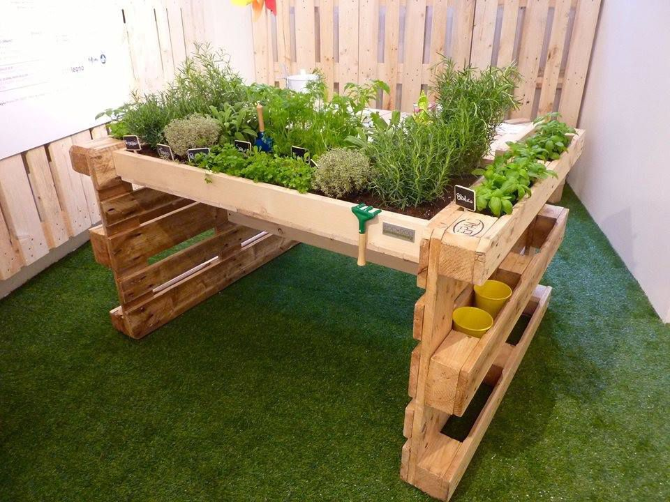Carre de jardin brodouille for Creer une table de jardin