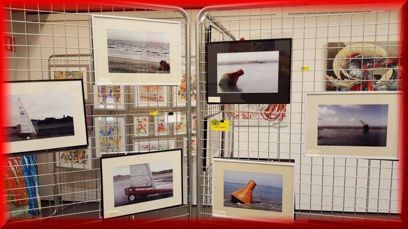 """LES HOM.ARTS VOIENT """"ROUGE""""...EN PHOTOGRAPHIE...ET DESSIN..."""