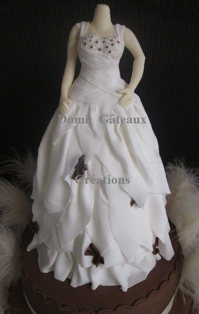 Wedding Cake Duo &quot&#x3B;Robe et Costume&quot&#x3B; en Pâte à Sucre