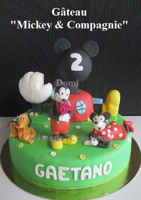 Gâteau &quot&#x3B;Mickey &amp&#x3B; Compagnie&quot&#x3B; en Pâte à Sucre