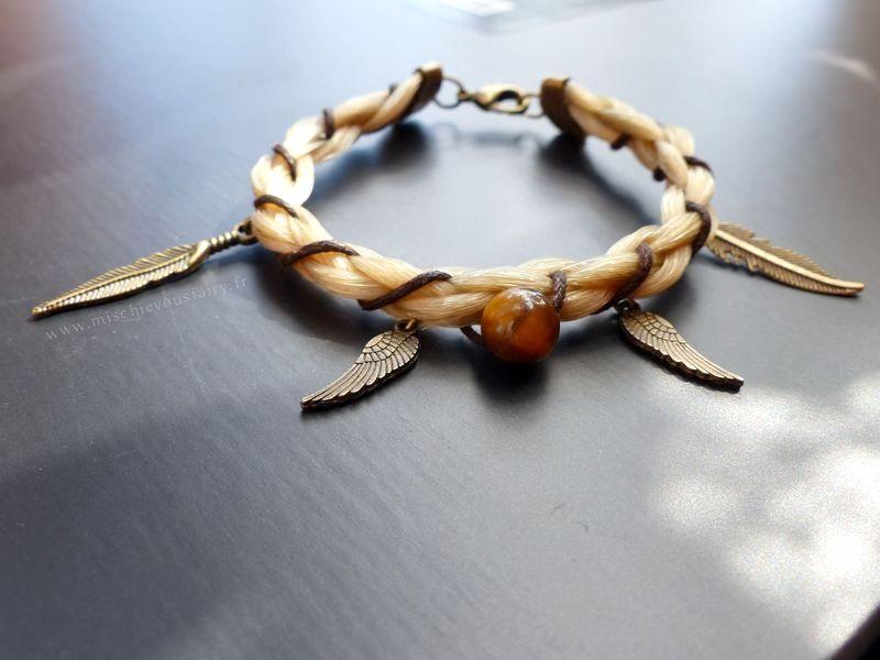 [Bijoux] Le bracelet qui hennit - Bianco