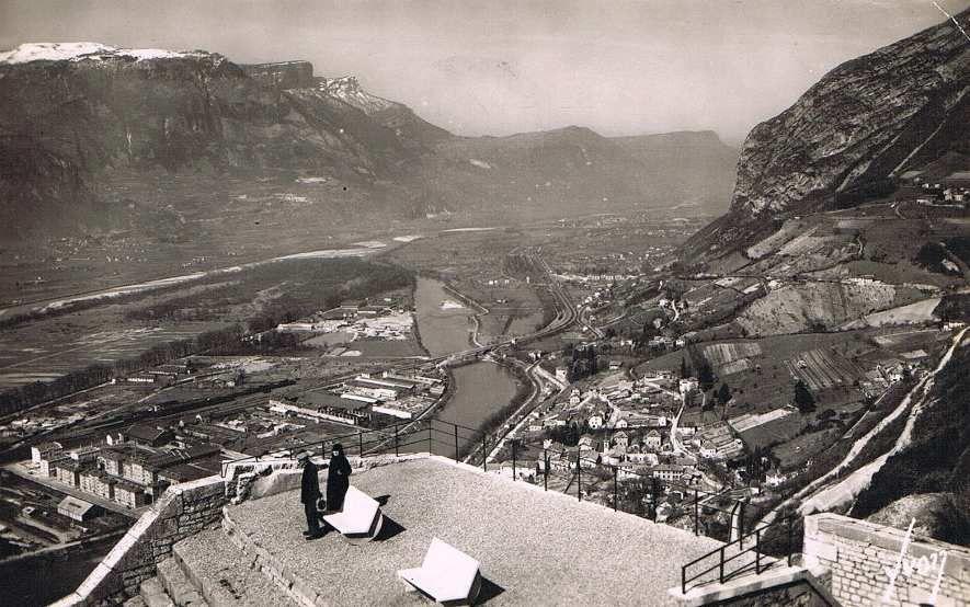 Vue de la cité depuis la Bastille