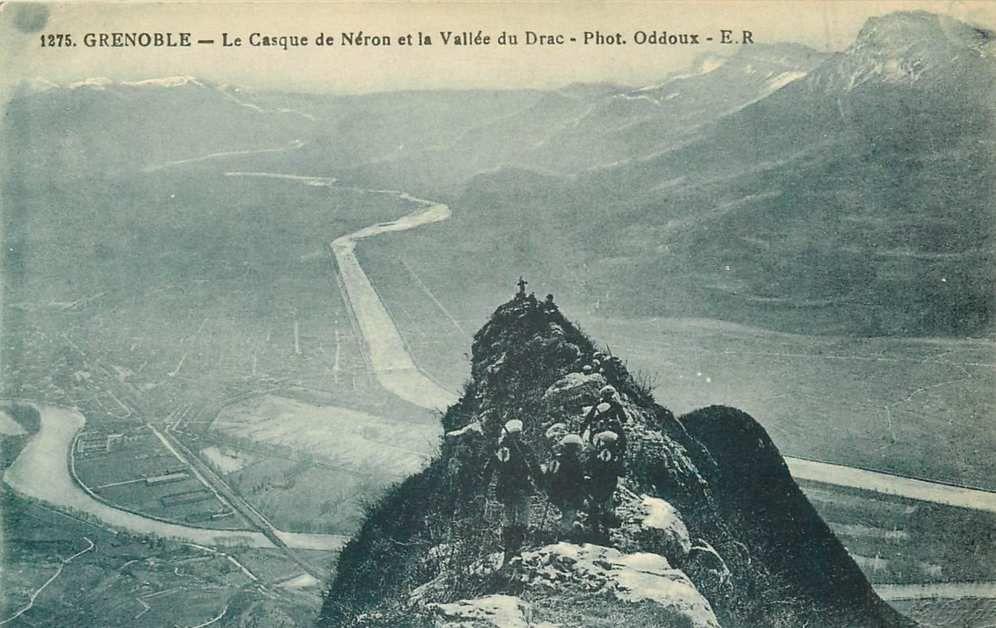 Vue du Polygone depuis le haut du massif du Néron ( Chartreuse) et les 2 rivières l'Isère à gauche et le Drac à droite - Fin XIXème /Début XXème siècle