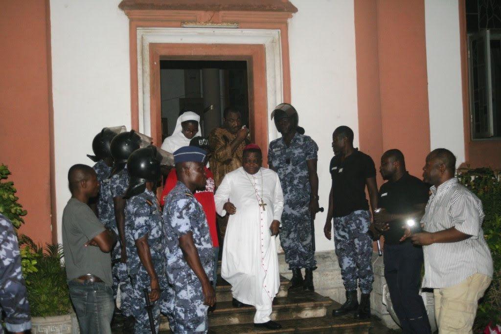 Encore sur l'incendie à la cathédrale de Lomé