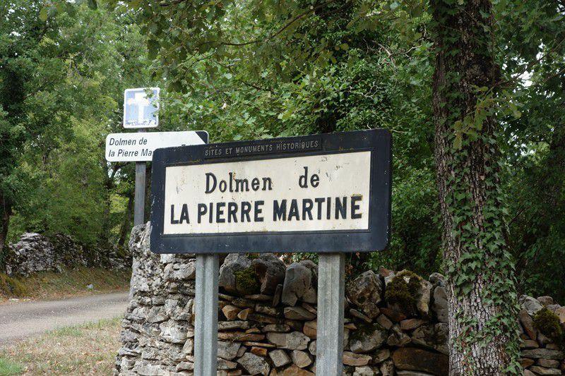 Par ici les visites de St Cirq Lapopie et du dolmen de la Pierre St Martine