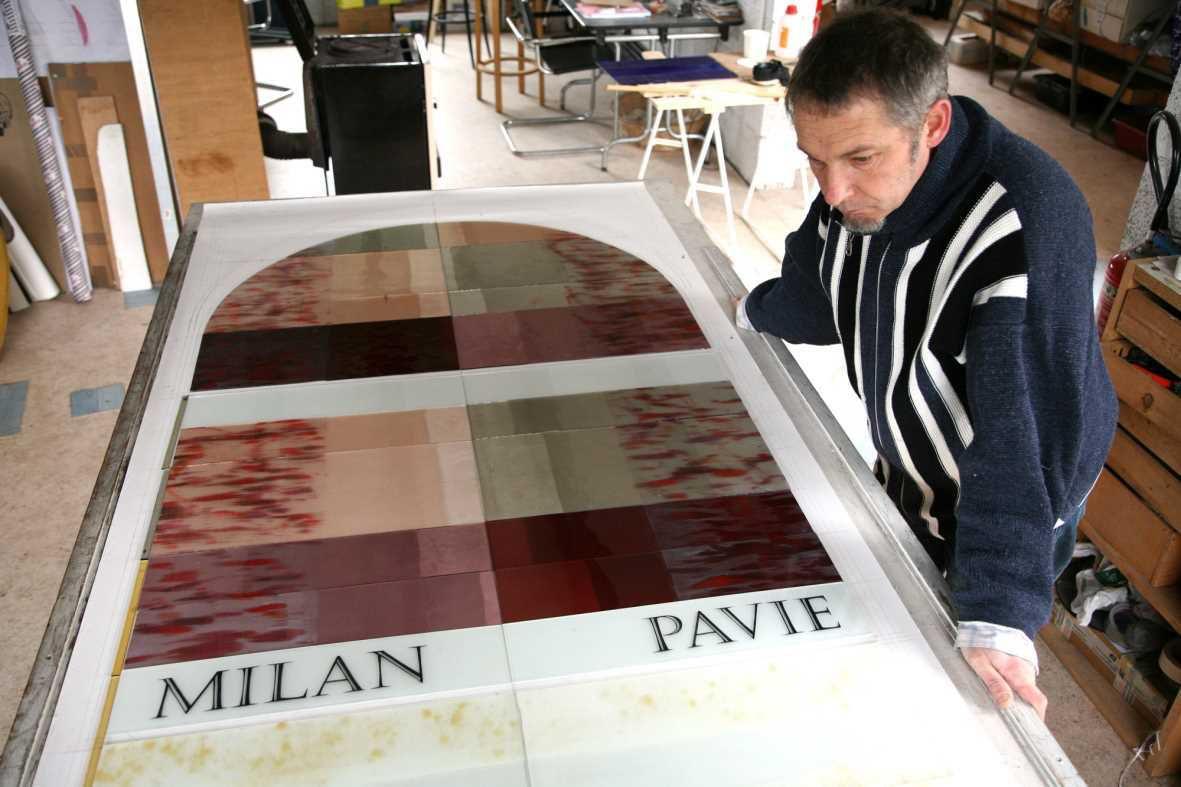 Préparation de vitraux pour l'église de Louvatange.