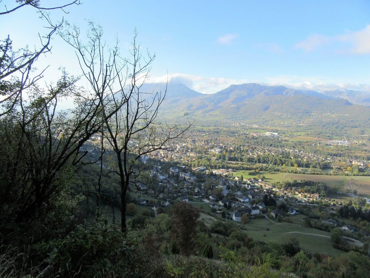 Vues sur Chambéry et le Granier en montant vers les Gorges de Camelot