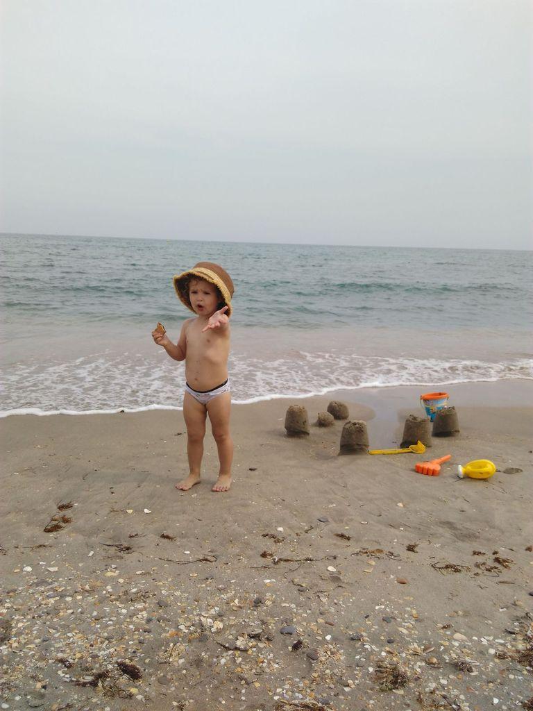 Avec Anaëlle sur la plage du Lido à Sète.