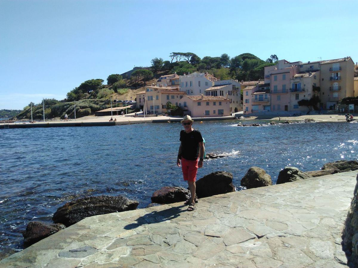 Le tour de la citadelle de St Tropez avec accès par la navette maritime pour éviter les bouchons.