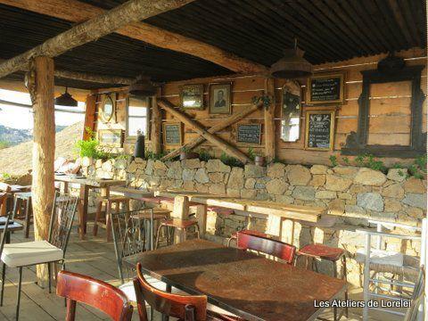 Voici le restaurant dans les hauteur de Pigna