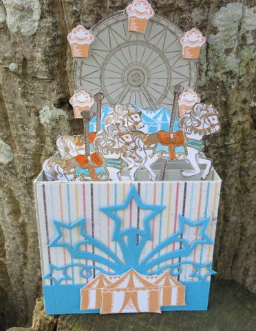 Carte popup en 3 D &quot&#x3B;Caroussel birthday&quot&#x3B;