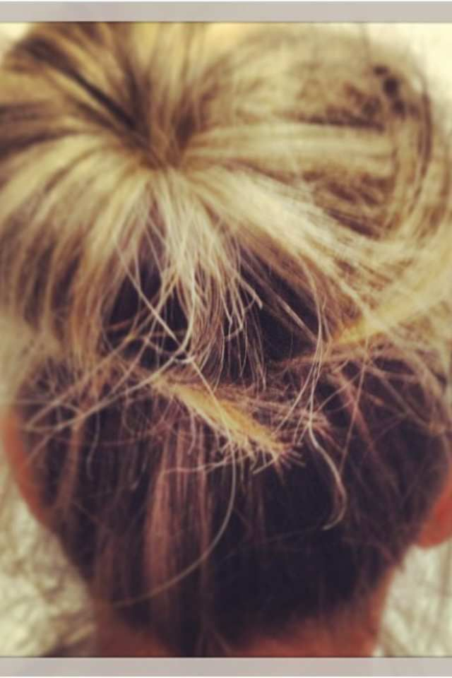 Cheveux mi-long blond méchés