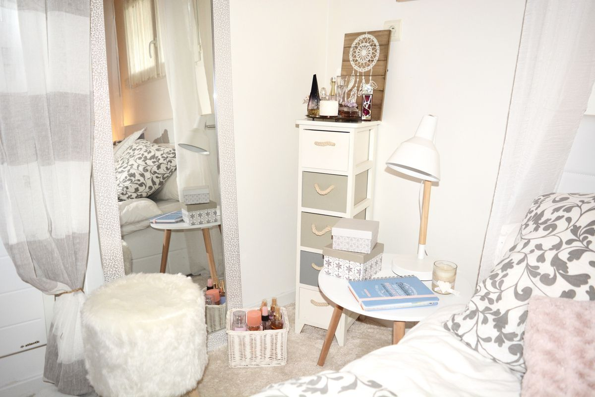 Decoration chambre coucher style scandinave cristal cos for Chambre youtubeuse