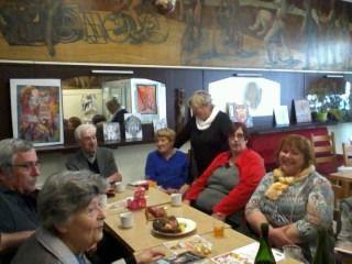 belle après midi de retrouvailles ce lundi 3 avril au Café aux sports avec nos amis Chantal et Christian Derieppe!!!