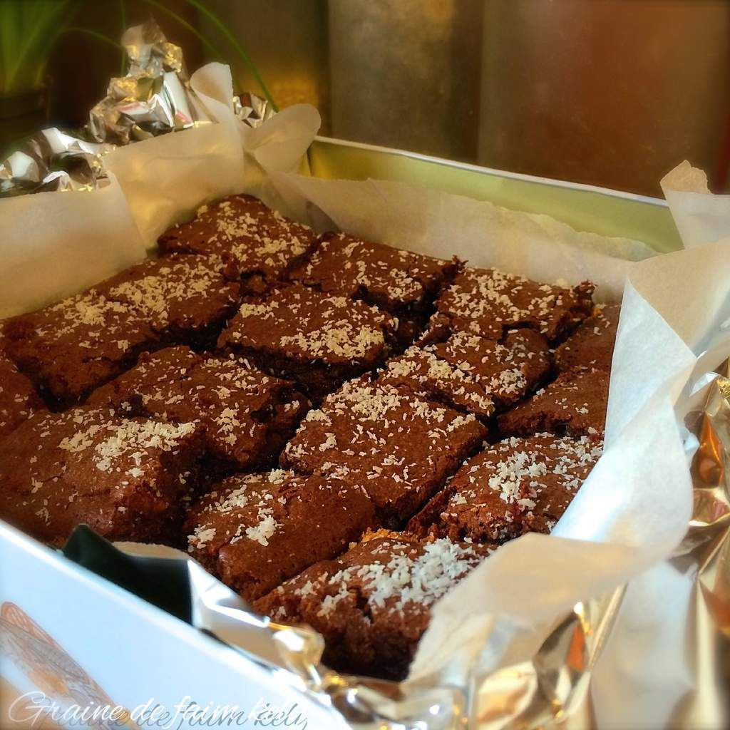 Brownies bounty aux noix et pitaches
