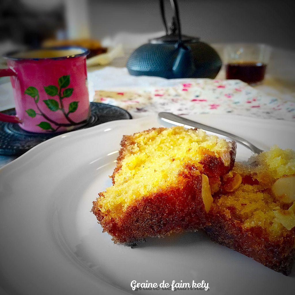 Cake au rhum brun et écorces d'orange confites