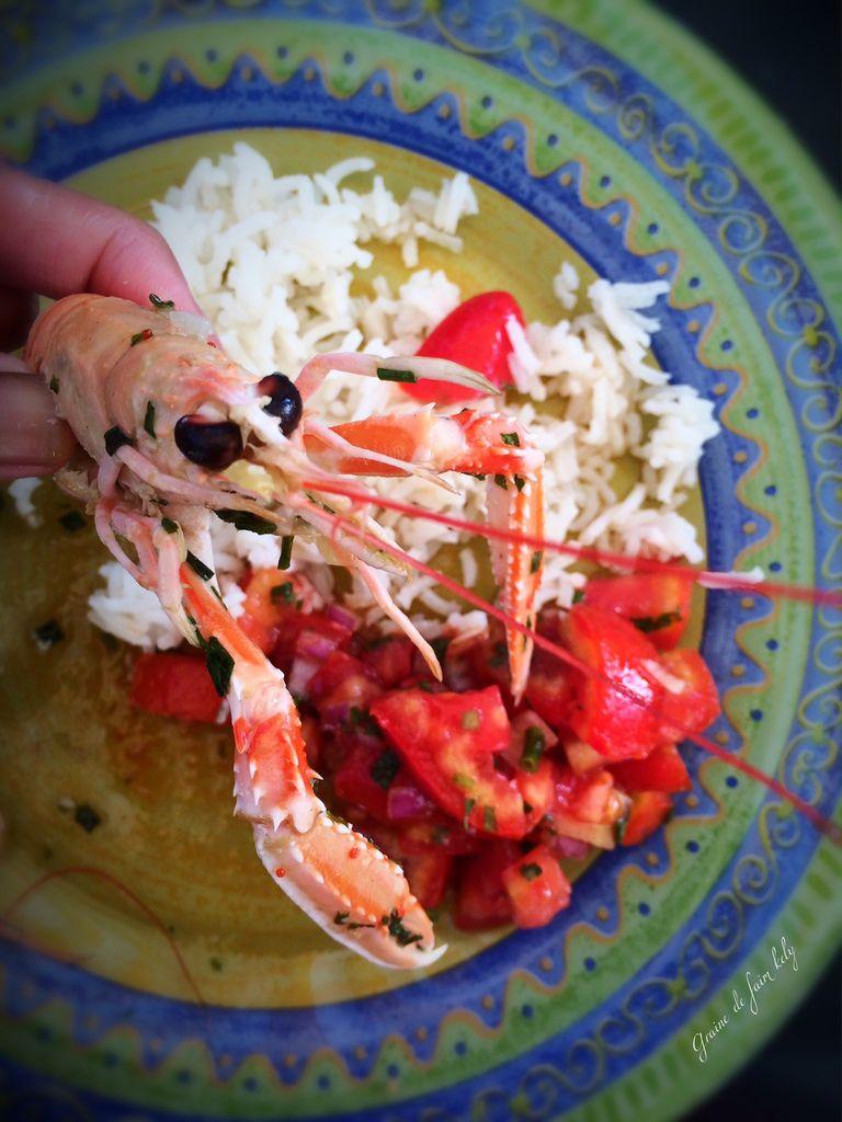 Poêlée de langoustines au beurre, à l'ail et son rougail tomates
