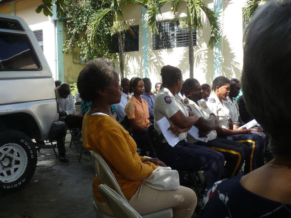 vues de l'assemblée en présence des élèves de l'école et des parents  - représentante du Concours Philippe Senghor -