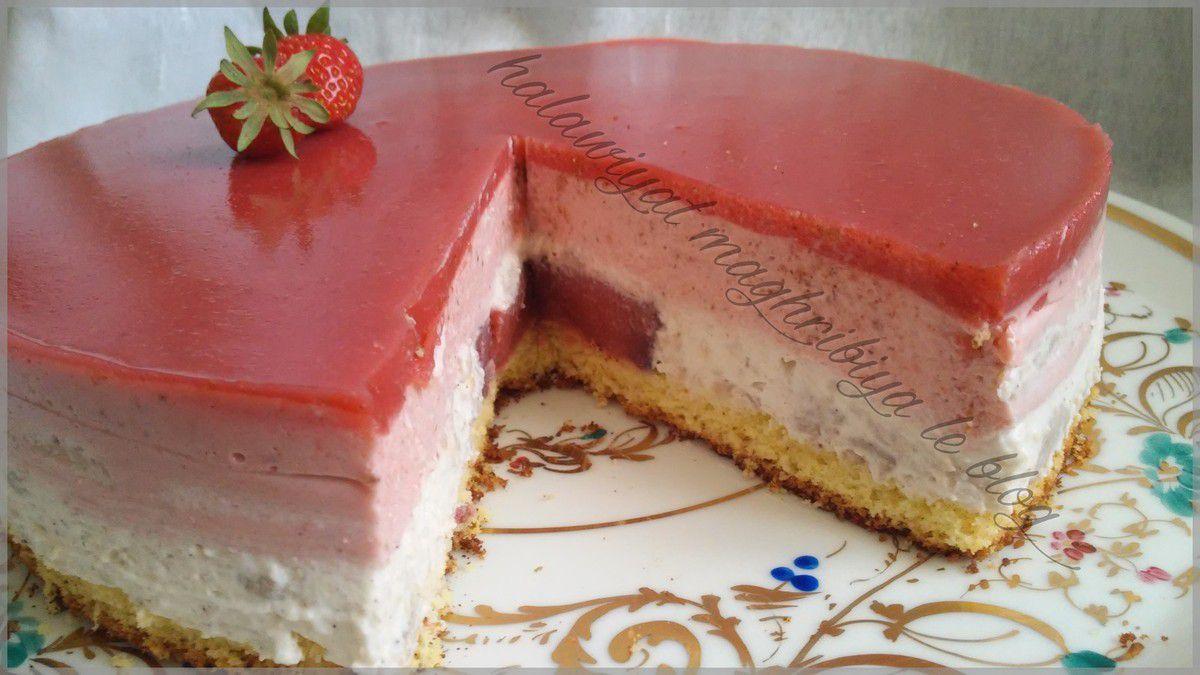 Bavarois fraises vanille avec un insert aux fraises for Miroir aux fraises