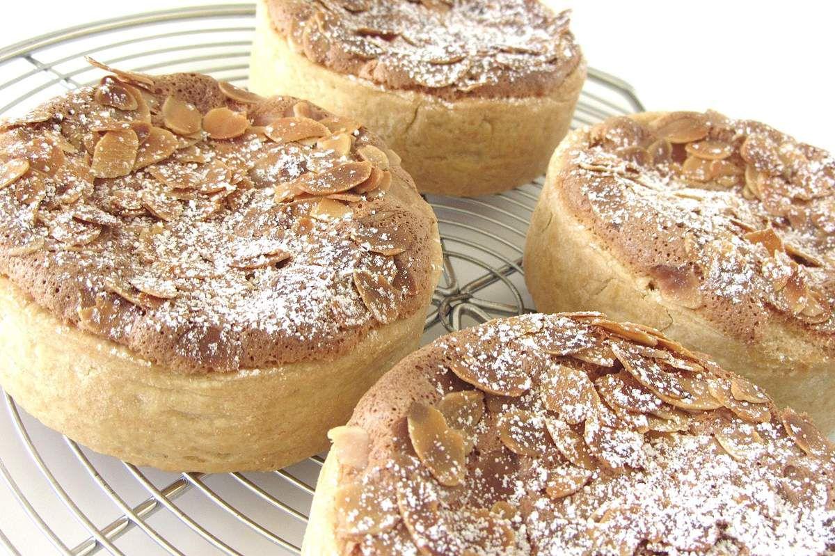 Tartelettes aux pommes, condoeuvre et amandes