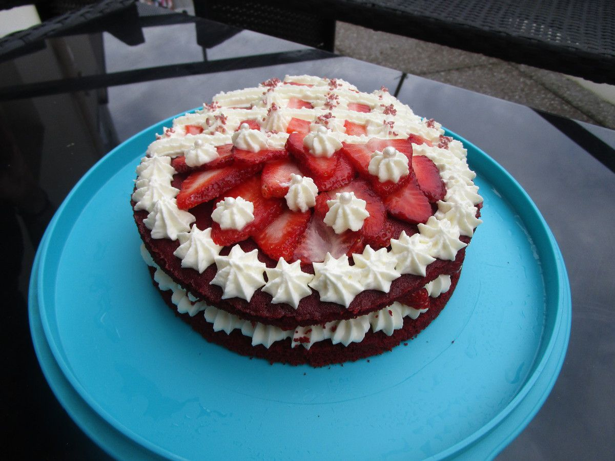 Strawberry Red Velvet Cake - Show culinaire N°3