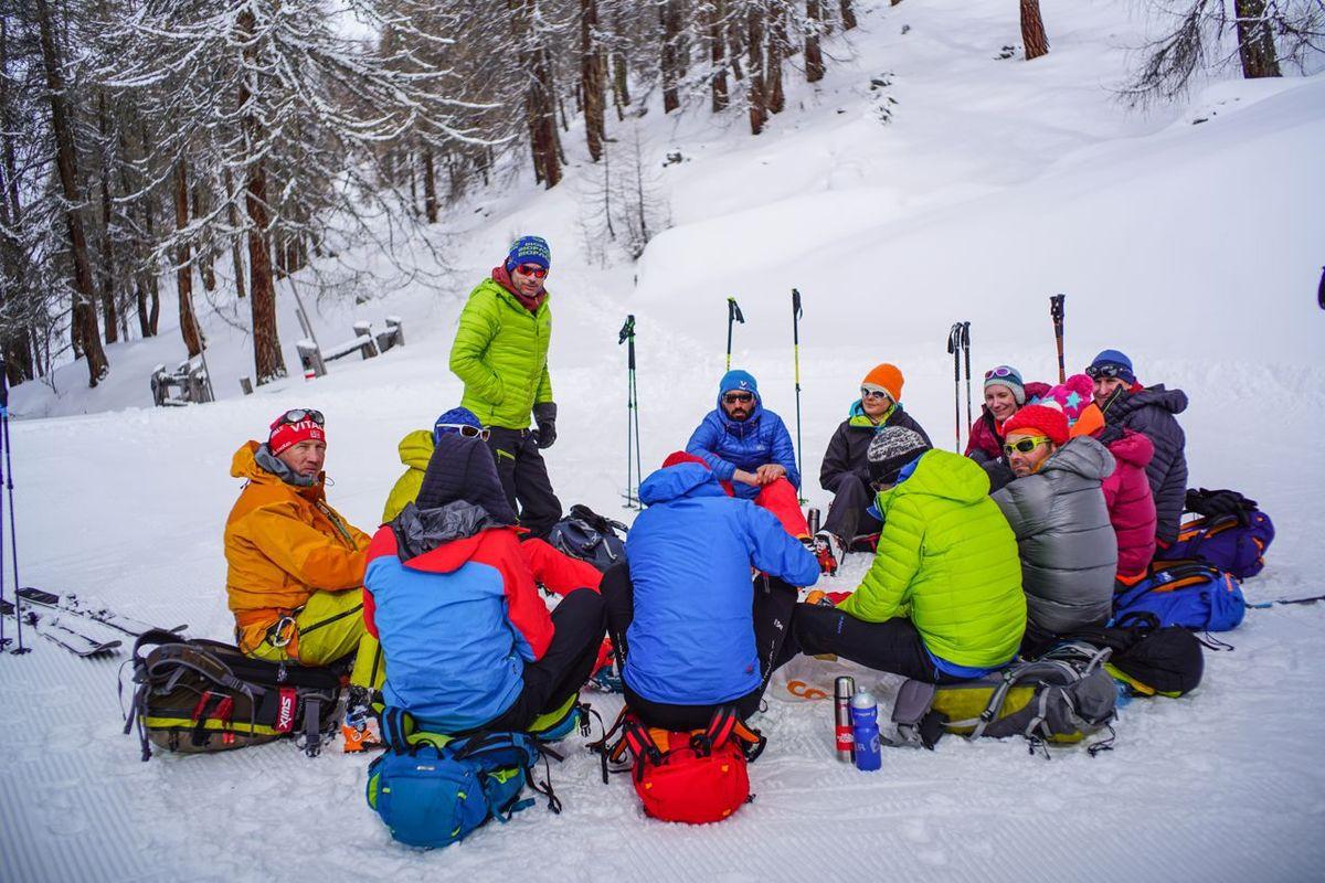 Le temps d'une soirée à Davos nous a convaincus que passer du temps à dormir dans les hôtels ne servait à rien qu'il fallait mieux skier et boire des Morito