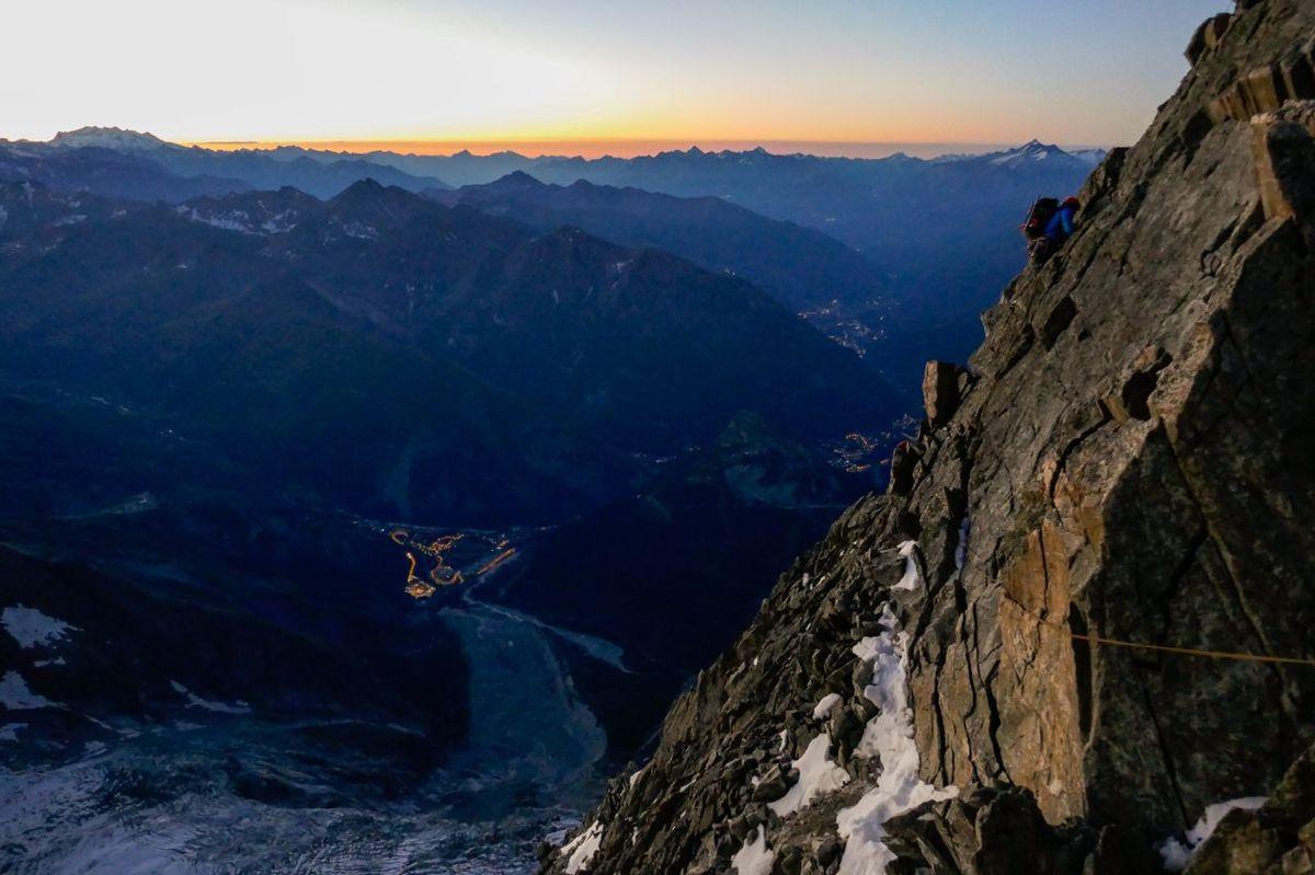 Ascension de la Blanche de Peuterey, du Grand Pilier d'Angle et du Mont Blanc