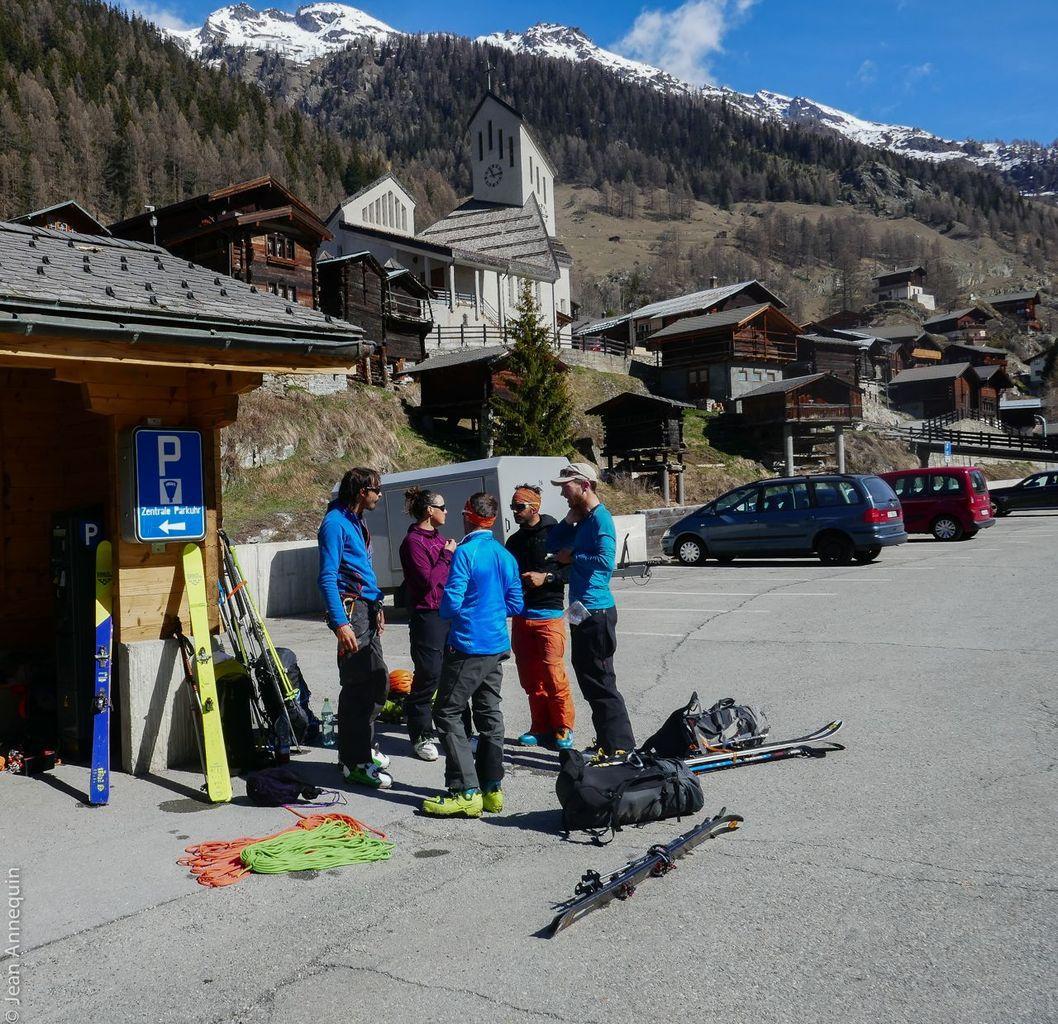 Traversée de l'Oberland - raid à ski du stage de Guide.
