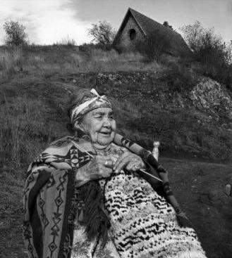 Mrs Johnny Bear / 1964