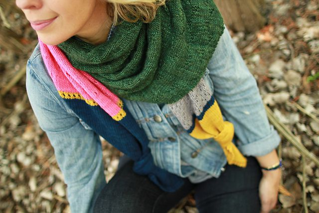 Peak color shawl par Plucky Knitter Design