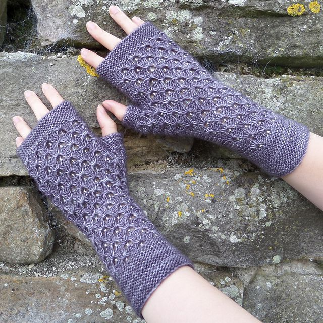 Stormcloud mitts par William Nelson