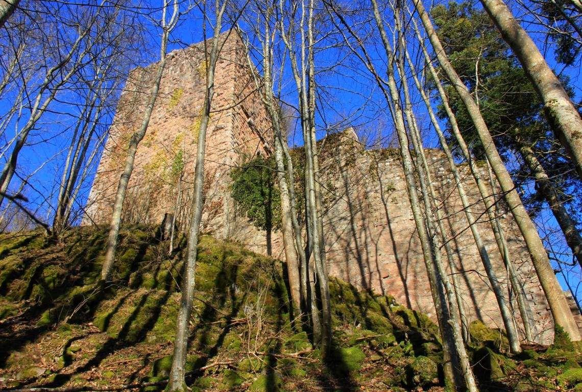Le château du bas.