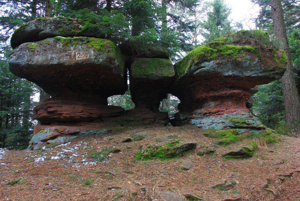 Les rochers des 3 petites tables.