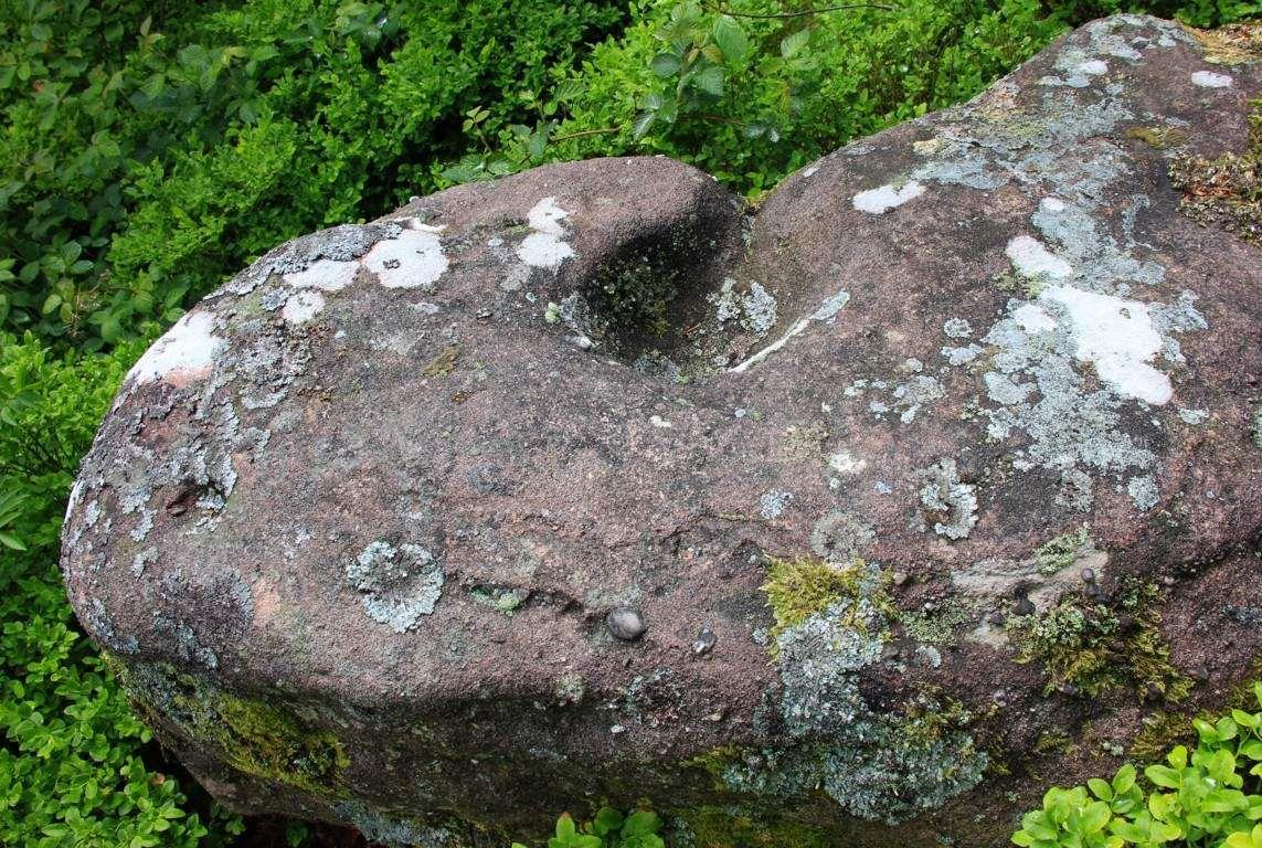 Une cupule au rocher des Oiseaux.